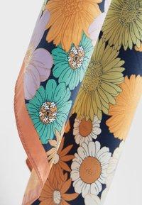Stradivarius - ARTY - Foulard - orange - 2