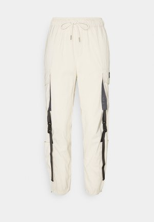 UTILITY PANT - Cargo trousers - beige