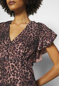 Guess - AYAR DRESS - Day dress - iconic brown - 5