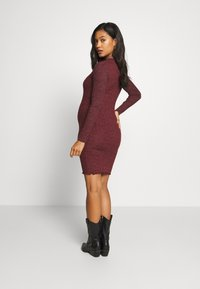 New Look Maternity - Vestido de punto - dark burgundy