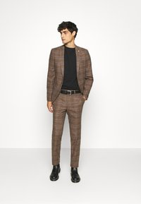 Twisted Tailor - PETTIS SUIT - Suit - brown - 1