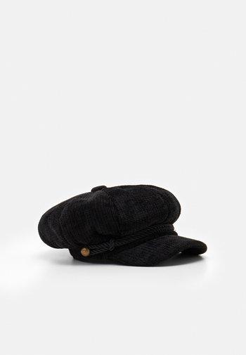 VIVIENNE HAT