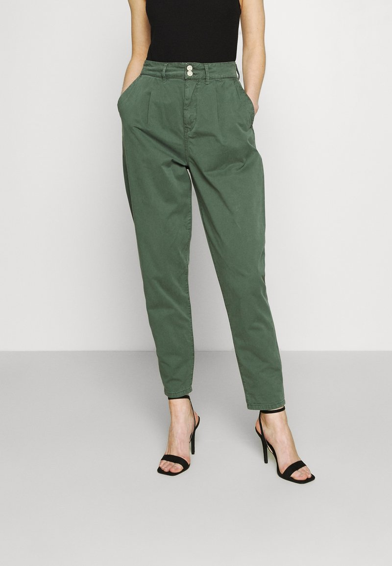 Pepe Jeans - MAMBA - Trousers - forest green