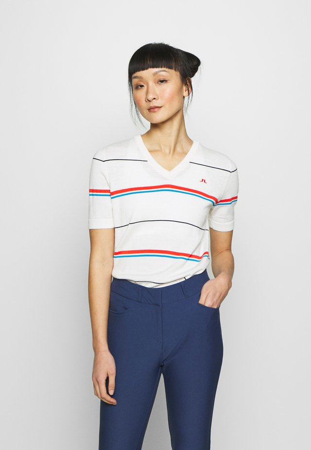 SELMA  - T-shirt z nadrukiem - white