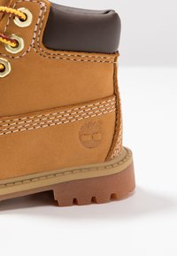 Timberland - 6 IN PREMIUM WP BOOT - Botines con cordones - wheat - 2