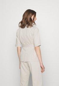 Fashion Union - STEAM - Blouse - taupe - 2