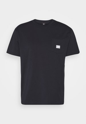ATHLETICS POCKET - Basic T-shirt - eclipse