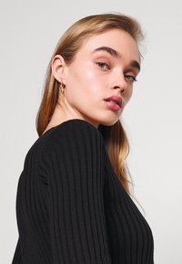 Milk it - HOOK AND EYE FRONT FAS - Cardigan - black - 4