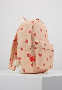 TINYCOTTONS - APPLES BACKPACK - Batoh - nude/burgundy - 4