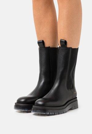 CPH1000 - Platform boots - blackclear