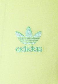 adidas Originals - ESSENTIAL TEE - T-shirt - bas - yellow tint - 6