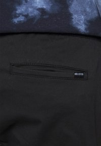 Hollister Co. - JOGGER UTILITY - Cargo trousers - black tab - 4