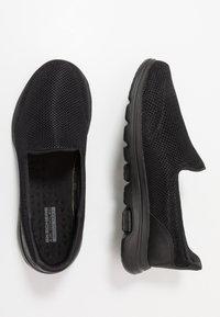 Skechers Performance - GO WALK 5 - Sportieve wandelschoenen - black - 1