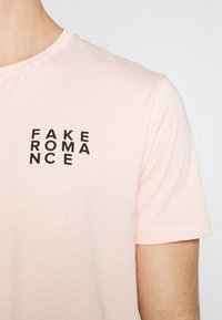 YOURTURN - T-shirt med print - pink - 5