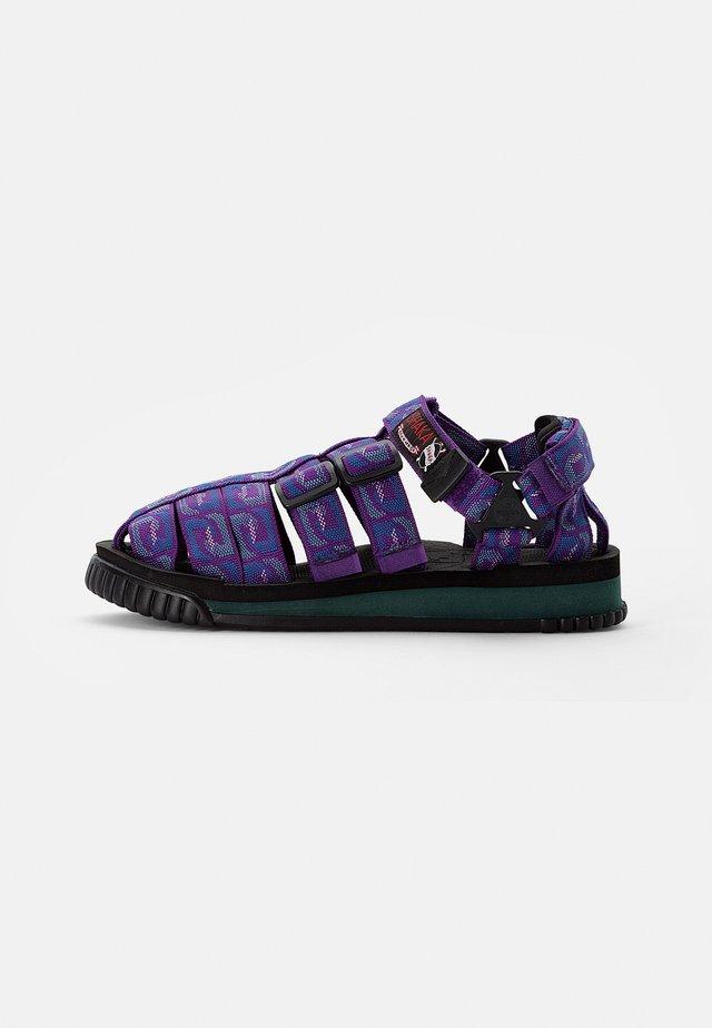 HIKER - Sandały - purple wave