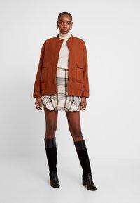 EDITED - EBBA SKIRT - Mini skirt - cream/navy - 1