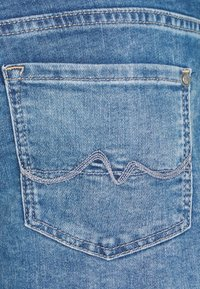 Pepe Jeans - SIOUXIE - Jeansshorts - denim - 6