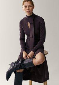 Massimo Dutti - Gebreide jurk - dark purple - 3