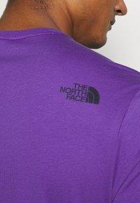The North Face - M S/S EASY TEE - EU - T-shirt med print - peak purple - 3