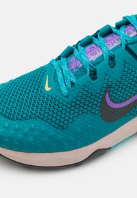 Nike Performance - WILDHORSE 7 - Trail running shoes - mystic teal/dark smoke grey/turquoise blue/universe gold/wild berry/fossil stone - 5