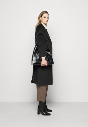 Across body bag - noir