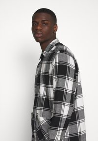 Jack & Jones - JORFINN - Tunn jacka - cloud dancer - 3