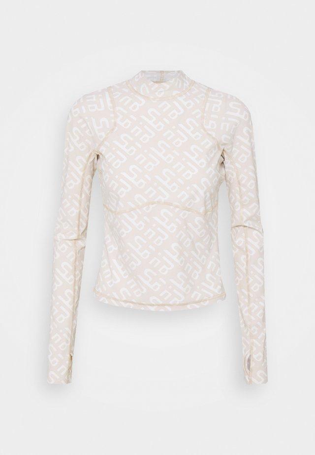 SWEATY BETTY X HALLE BERRY SOFIA TRAINING RASH GUARD - Sports shirt - white