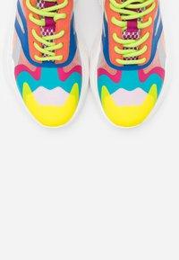 Steve Madden - ASHEN - Sneakers - orange/multicolor - 5