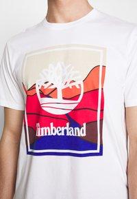 Timberland - KENNEBEC RIVER HORIZON GRAPHIC TEE - T-shirt med print - white - 5