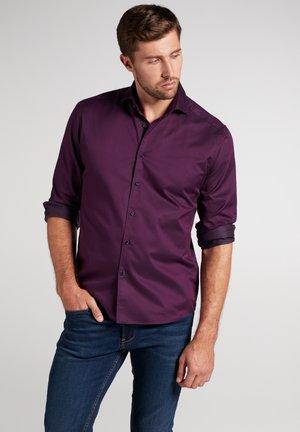 MODERN FIT - Overhemd - aubergine