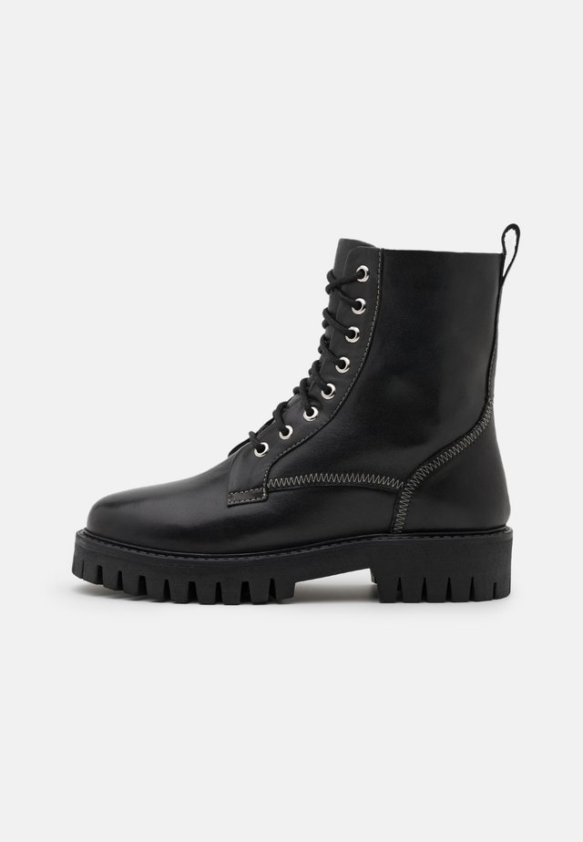 BILLIE - Veterboots - black