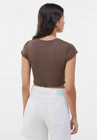 Bershka - T-shirt imprimé - brown - 2
