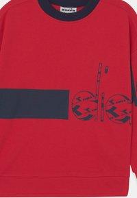 Diadora - CREW HOOPLA UNISEX - Sweater - tango red - 2
