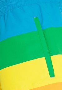 Lacoste - POLAROID  - Swimming shorts - malachite/gypsum/orpiment/corrida - 2