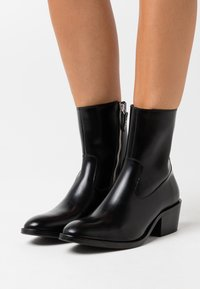 Tiger of Sweden - CADRIA - Classic ankle boots - black - 0