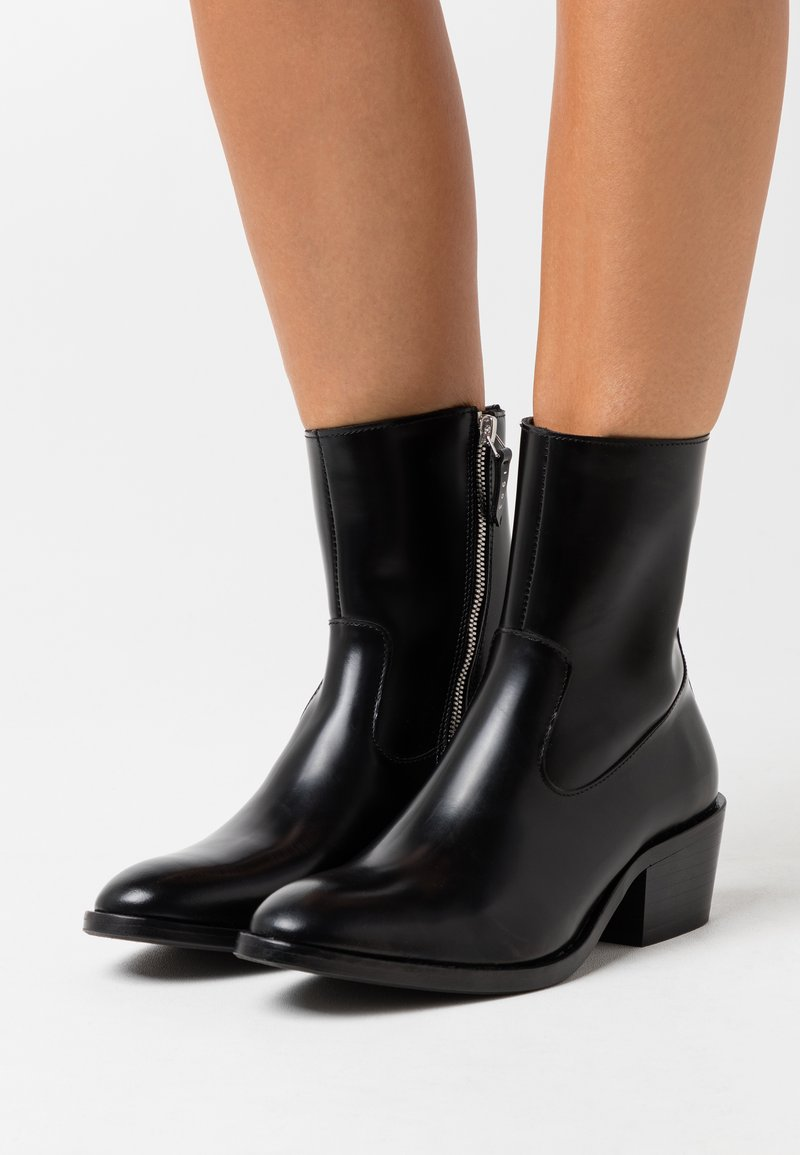 Tiger of Sweden - CADRIA - Classic ankle boots - black