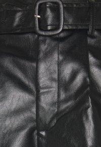 Fashion Union - NICKLE - Shorts - black - 2
