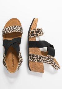 Copenhagen Shoes - STACIA LEOPARD - Sandalias con plataforma - brown - 3