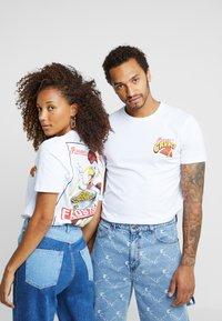 Pier One - UNISEX - T-shirt med print - white - 0