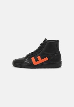OLD 80S UNISEX - Korkeavartiset tennarit - black/orange/black