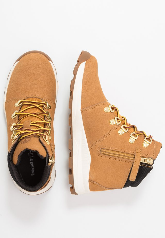 BROOKLYN HIKER - Lace-up ankle boots - wheat