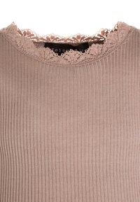 Rosemunde - SILK-MIX T-SHIRT REGULAR LS W/LACE - Top sdlouhým rukávem - vintage powder - 2