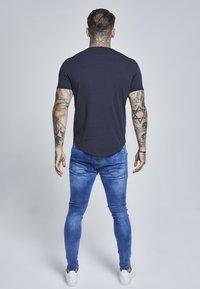 SIKSILK - SHORT SLEEVE GYM TEE - T-shirt basic - navy - 2