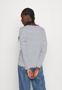 Moss Copenhagen - ESNA TEE - Long sleeved top - white/sky cap - 2