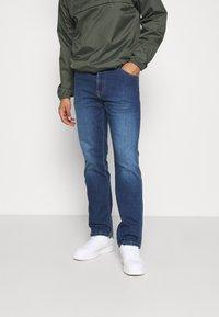 Wrangler - TEXAS - Straight leg jeans - cool wing - 0
