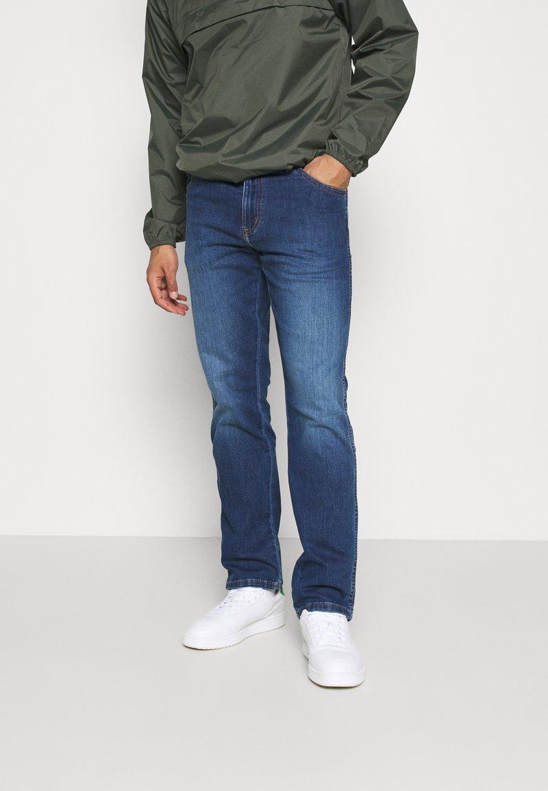 Wrangler - TEXAS - Straight leg jeans - cool wing