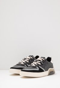 Coach - SIGNATURE TECH COURT - Sneakersy niskie - charcoal/black - 2