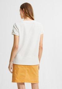 comma casual identity - Basic T-shirt - white - 2