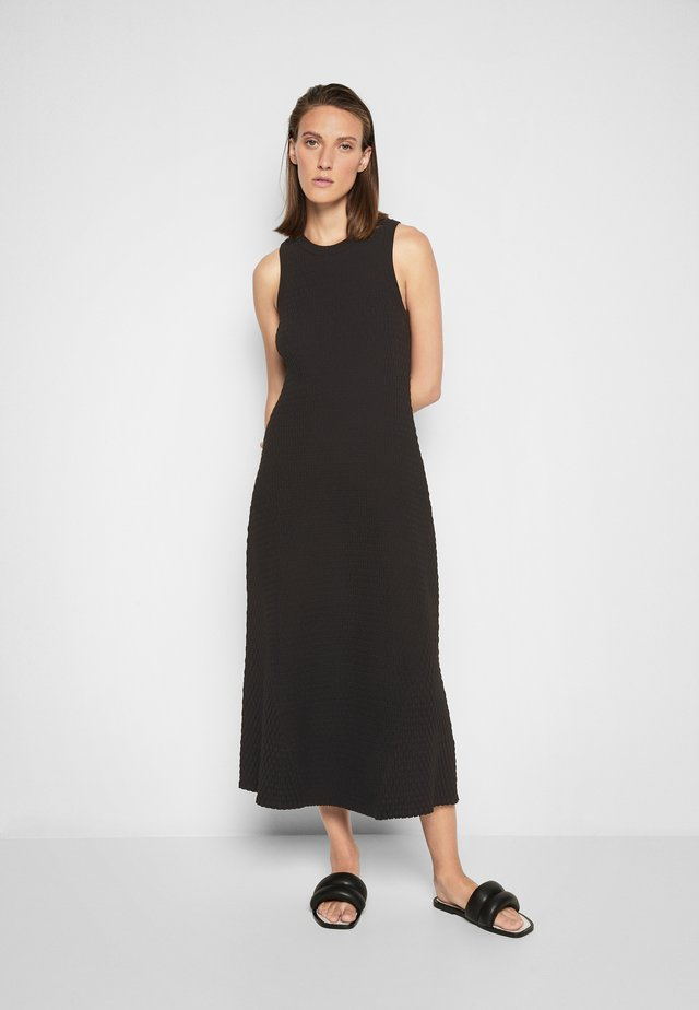 ALANIS - Gebreide jurk - black