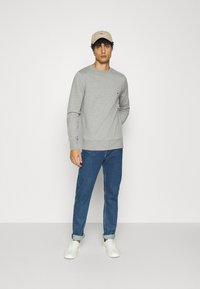 Tommy Hilfiger - CORE  - Sweatshirt - grey - 1